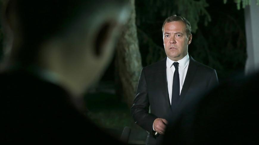 Медведев: Главы правительств государств ЕАЭС обсудят пошлины и маркировку товаров