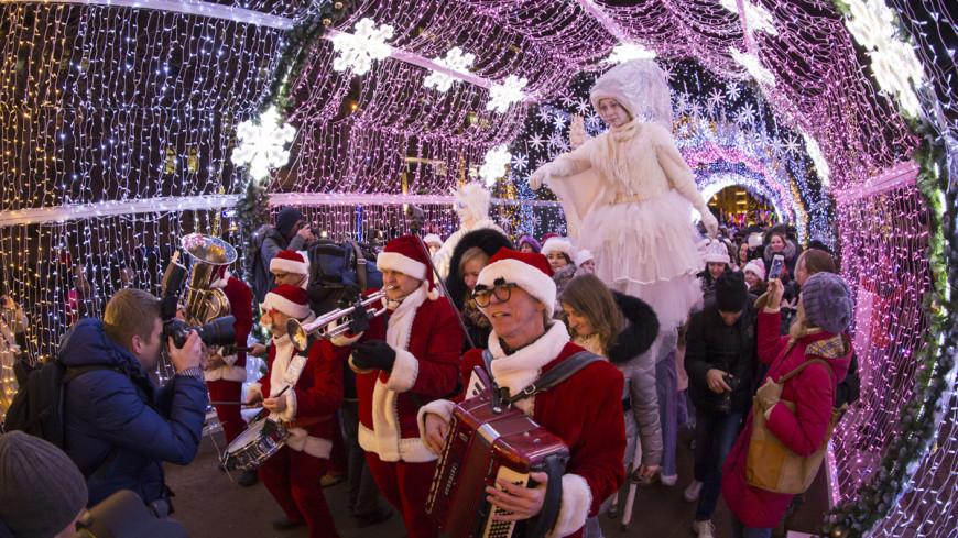 """""""Фото: Максим Кулачков (МТРК «Мир»)"""":http://mir24.tv/, дед мороз, новый год, новый год 2016, снегурочка"""