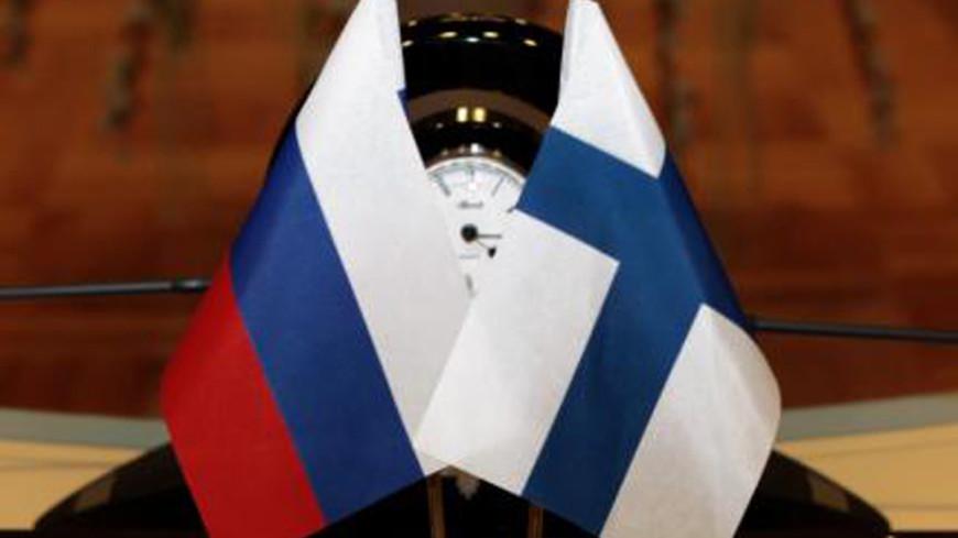 """Фото: """"Министерство юстиции РФ"""":http://minjust.ru/, флаг финляндии, флаг россии"""