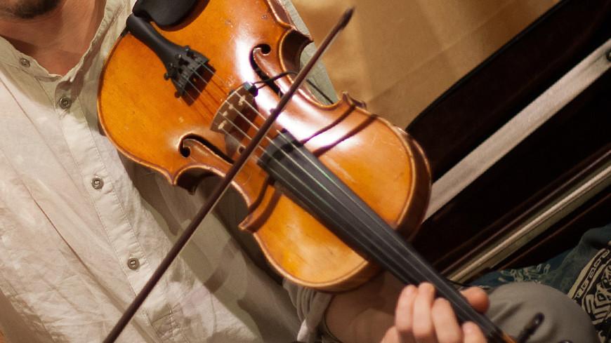 """Фото: Светлана Родина, """"«МИР 24»"""":http://mir24.tv/, скрипка, музыка, музыкальные инструменты, концерт, музыканты"""