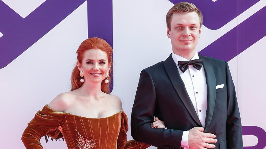 СМИ: Певица Лена Катина разводится с мужем