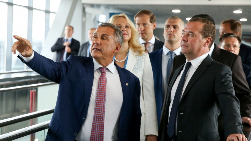 Медведев и Минниханов запустили установку по переработке нефти в Татарстане