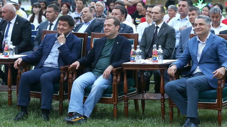 Премьеры после межправсовета ЕАЭС поплавали по Иссык-Кулю и послушали джаз
