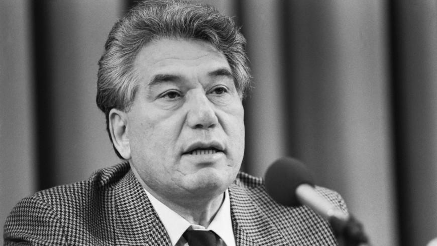 В Нур-Султане установят памятники Чингизу Айтматову и Манасу