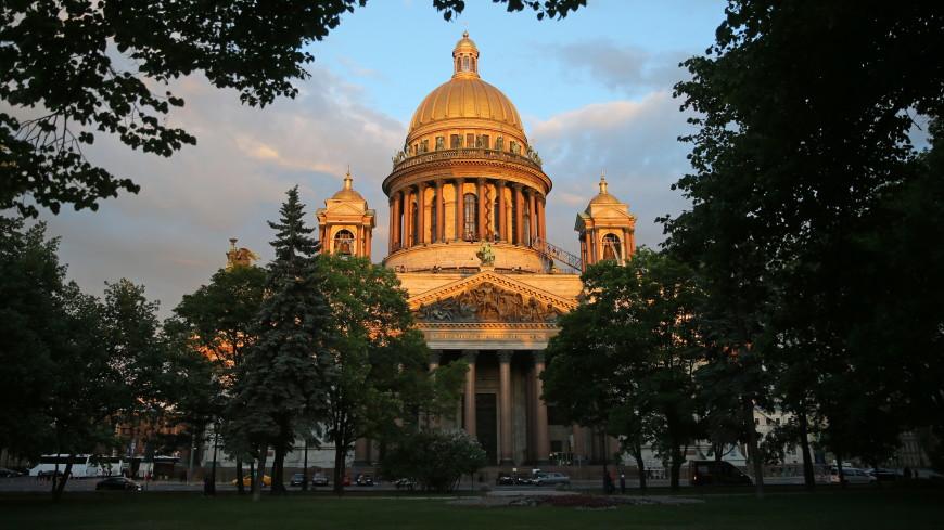 В Москве показали сокровища Исаакиевского собора
