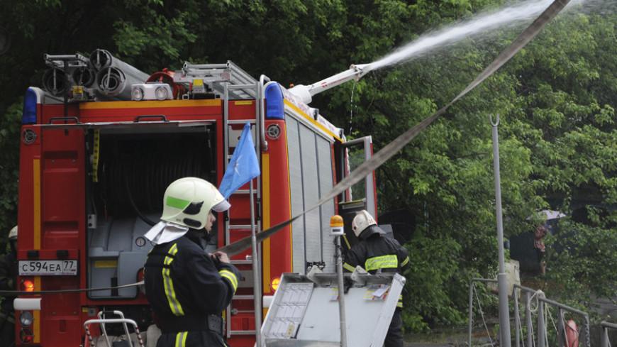 """© Фото: Сергей Минеев, """"«МИР 24»"""":http://mir24.tv/, пожарная машина, учения мчс, мчс, пожарные, пожар"""