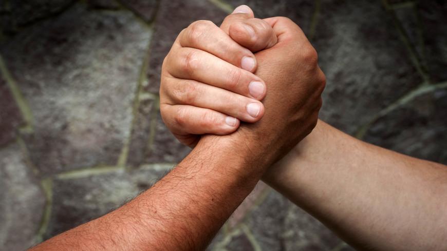 Чемпионат по борьбе на пальцах стартовал в Австрии