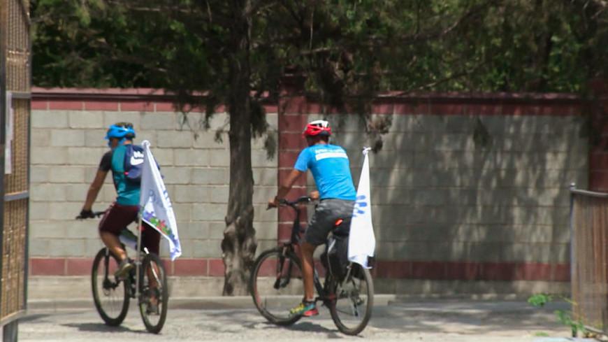 Велопробег ради детей-аутистов стартовал в Кыргызстане