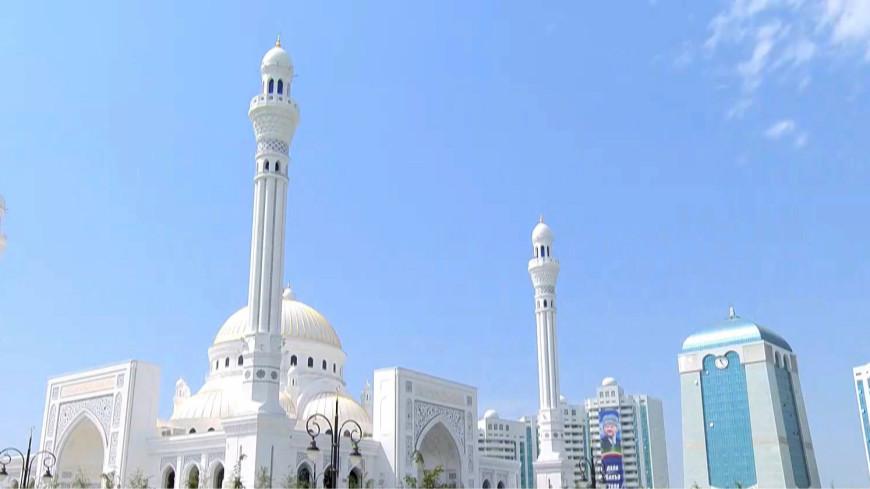 «Гордость мусульман»: в Чечне открыли самую большую мечеть в Европе
