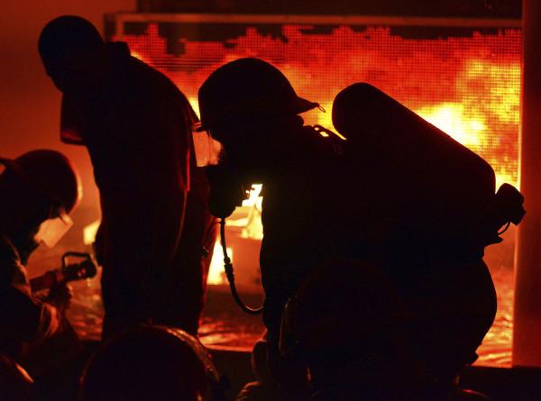Пожар на фабрике в Нью-Дели: погибли 43 человека