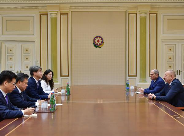 Ильхам Алиев встретился с председателем комитета статистики Южной Кореи