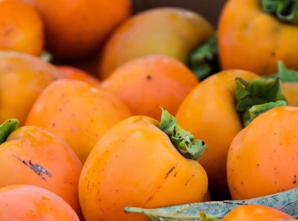 Оранжевое настроение: как правильно выбрать хурму