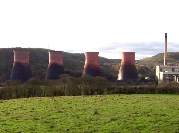 Шоу со взрывом: тысячи британцев собрались посмотреть на уничтожение ТЭС