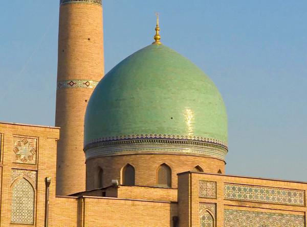 Древнейший Коран, вино и собственный «Куршевель»: пять причин поехать в Узбекистан