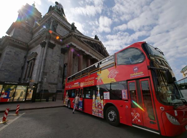 В Петербурге набирают популярность двухэтажные автобусы