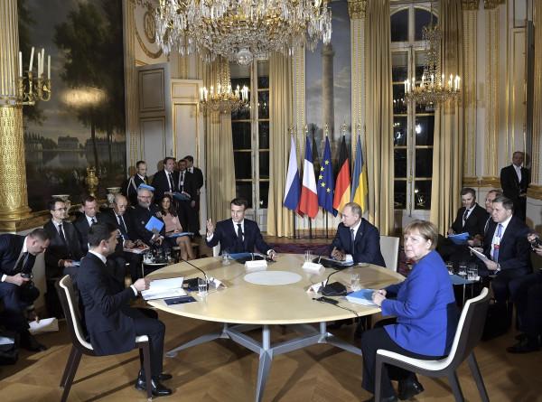 Президент РФ проинформировал Совбез о встречах на саммите «нормандской четверки»