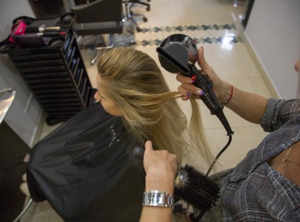 Названы самые вредные привычки в уходе за волосами