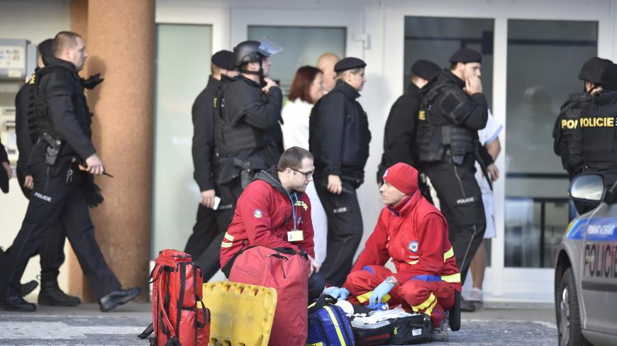 Двое полицейских погибли при стрельбе в чешской Остраве