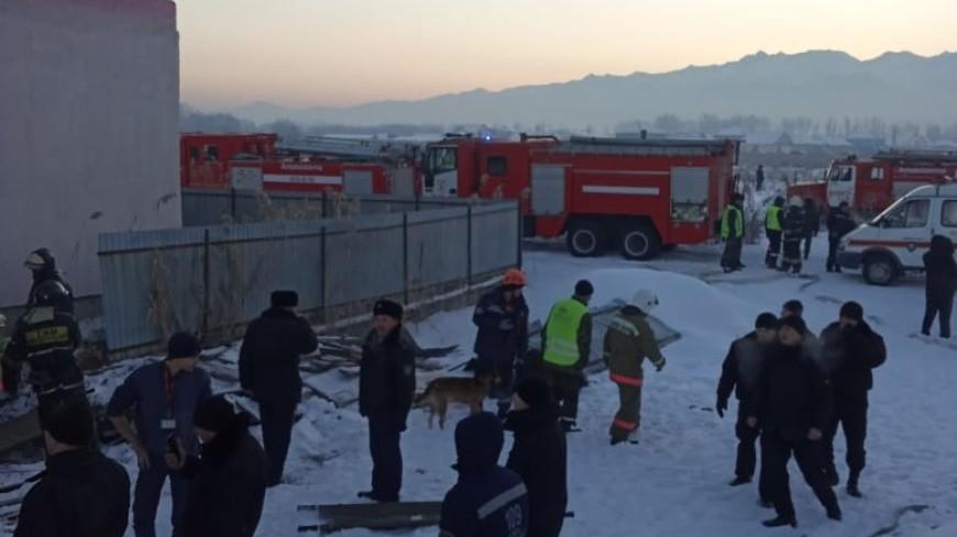 Жээнбеков выразил соболезнования народу Казахстана в связи с крушением самолета