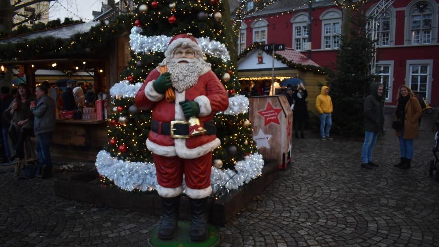 Рождественские ярмарки, запечный гусь и устрицы: как католики по всему миру празднуют Рождество?