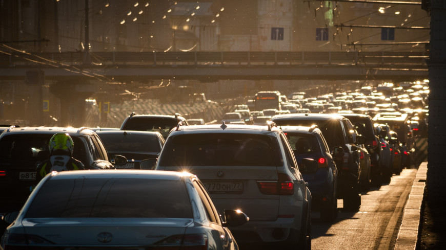 С 1 января 2020-го будущим водителям разрешат выезжать на магистрали