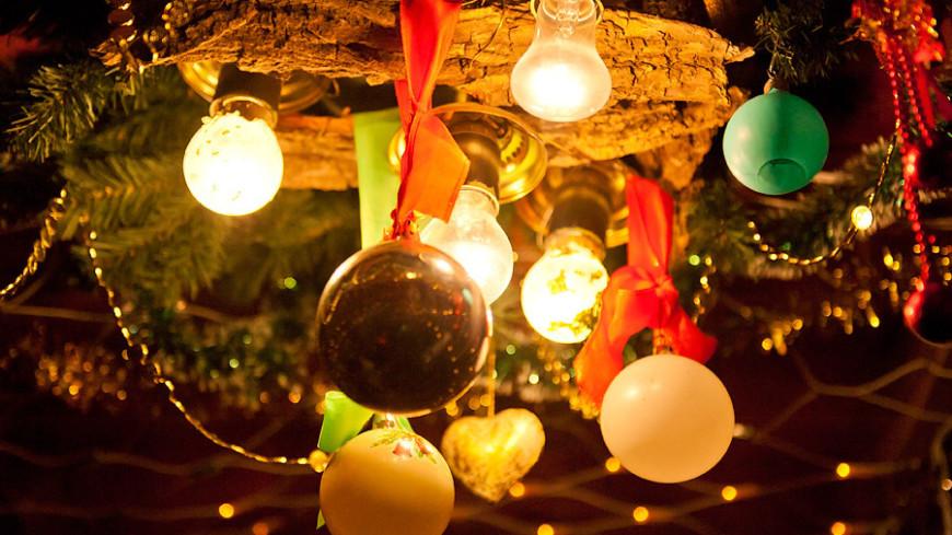 """Фото: Анна Тимошенко, """"«МИР 24»"""":http://mir24.tv/, елочные игрушки, новый год"""