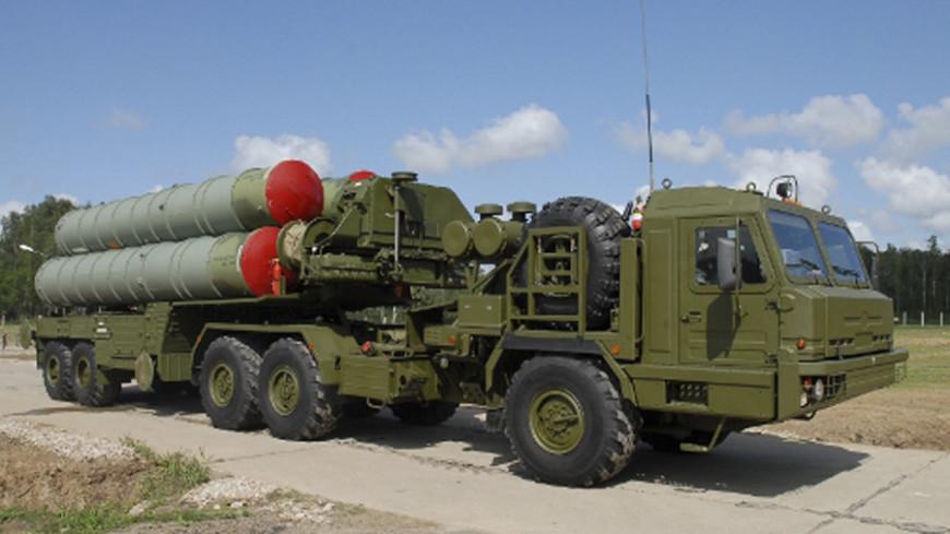 """Источник: """"официальный сайт Минобороны России"""":http://stat.mil.ru/index.htm _(автор не указан)_, ракета, с400"""