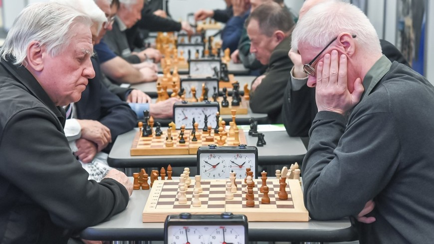 Мини-футбол и шахматы: в Москве пройдет турнир «Спортивные игры долголетия»
