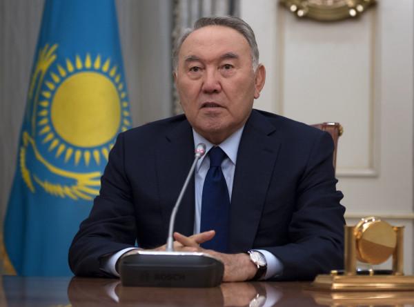 Назарбаев рассказал, почему отправил правительство в отставку
