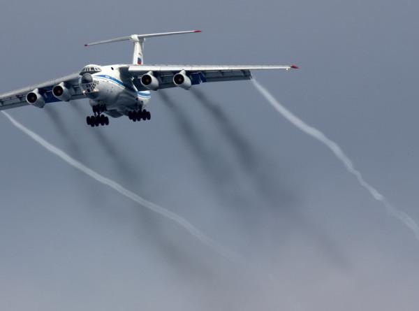 Ил-76 из Китая смог приземлиться в Уфе без спуска одного шасси