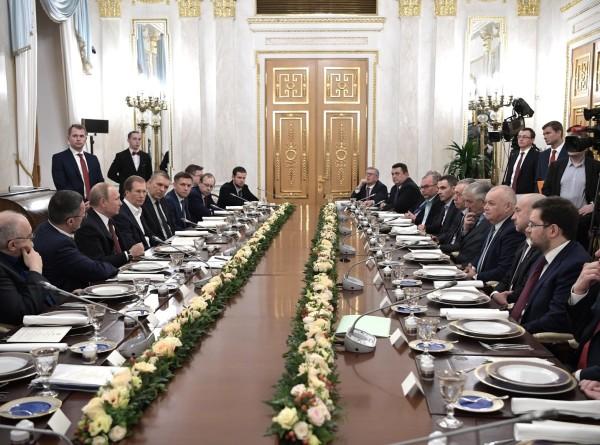 Путин ждет результатов от поставленных в послании задач уже в этом году