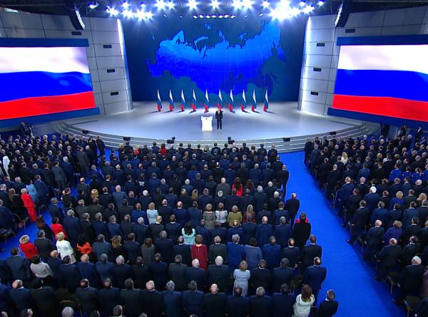 «Домашнее» послание: чем речь Путина запомнилась министрам и депутатам