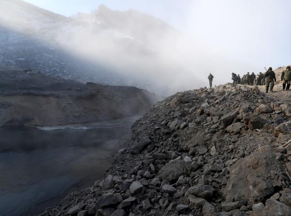Операция на реке Бурее. Военные расчистили русло от оползня