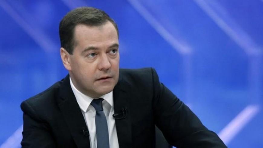 Медведев: Контроль расходов на нацпроекты должен быть сквозной