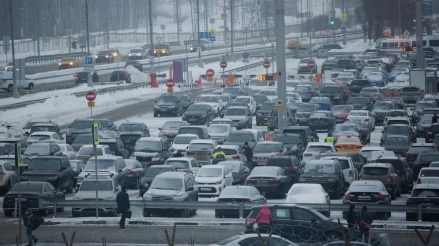 На местах для инвалидов еженедельно незаконно паркуются 700 москвичей