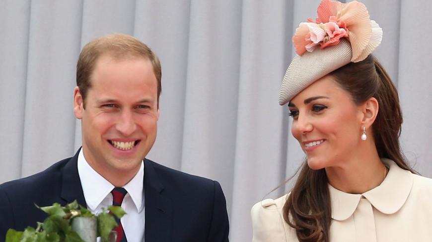Герцогиня Кейт в белом платье очаровала британцев