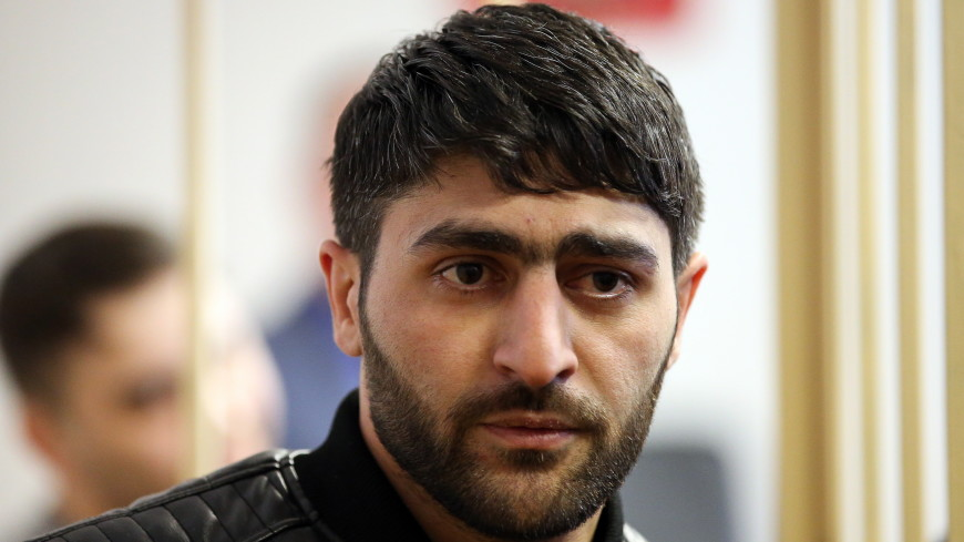 В крови сбившего пешеходов в центре Петербурга уроженца Азербайджана нашли кокаин