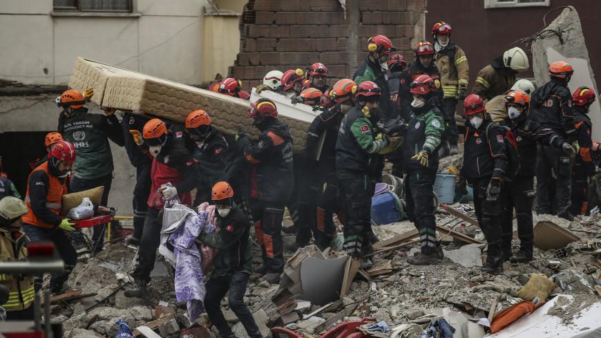 Обрушение дома в Стамбуле: число жертв возросло до 10