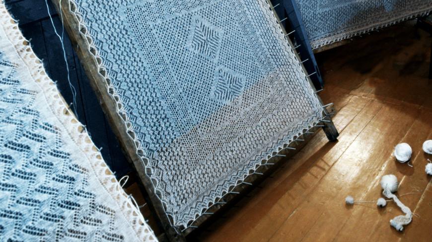 Оренбургские пуховые платки приехали на выставку в Кишинев