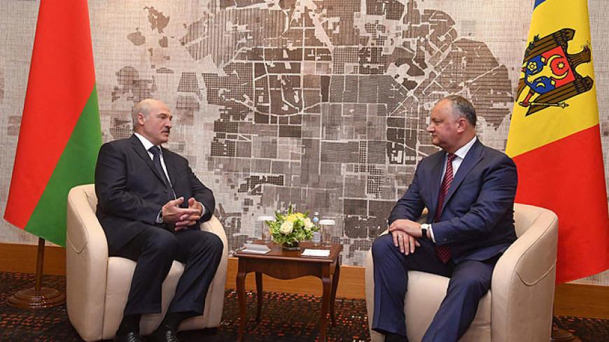 Лукашенко поздравил Додона с днем рождения, отметив его политический авторитет