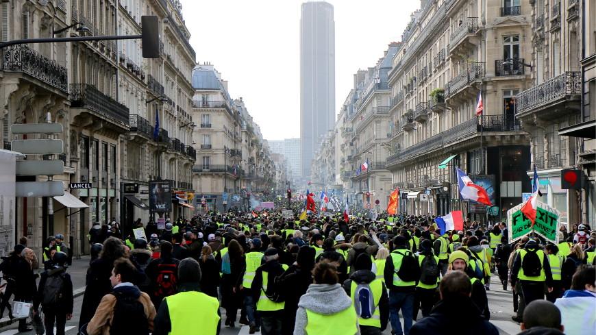 В очередной акции «желтых жилетов» во Франции участвовали 40 тыс. человек