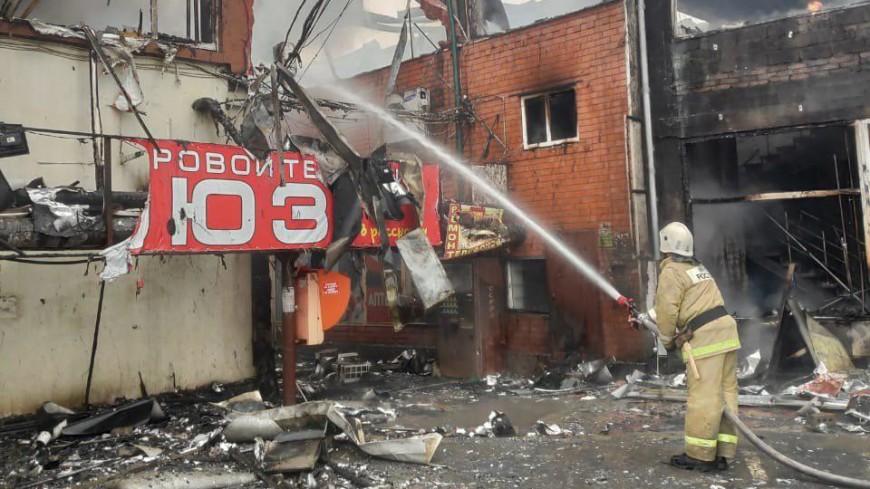 Пожар в торговом центре Кизляра ликвидирован, пострадавших нет
