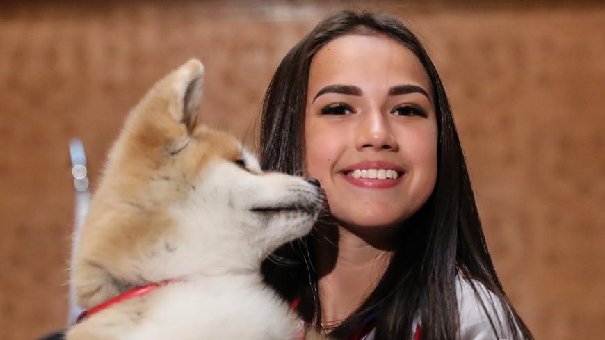 Загитова провела тренировку со своей любимой собакой