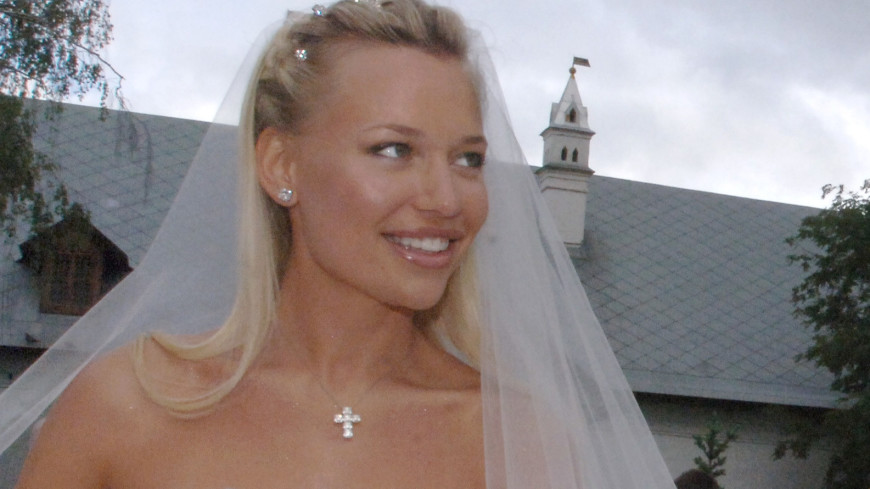 Жена Ковальчука показала свою фигуру после родов