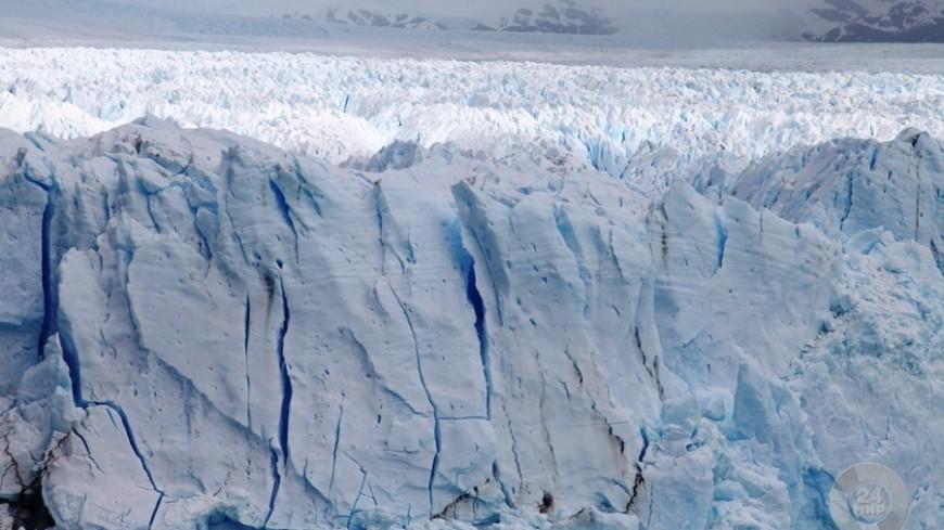 Подо льдами Гренландии нашли новый метеоритный кратер