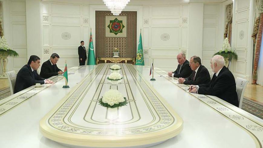 Бердымухамедов и Лавров обсудили Каспий и энергодиалог в ЕАЭС