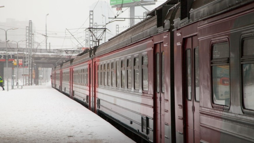 Железнодорожная платформа.,электричка, РЖД,, платформа, пути, железная дорога, ,электричка, РЖД,, платформа, пути, железная дорога,