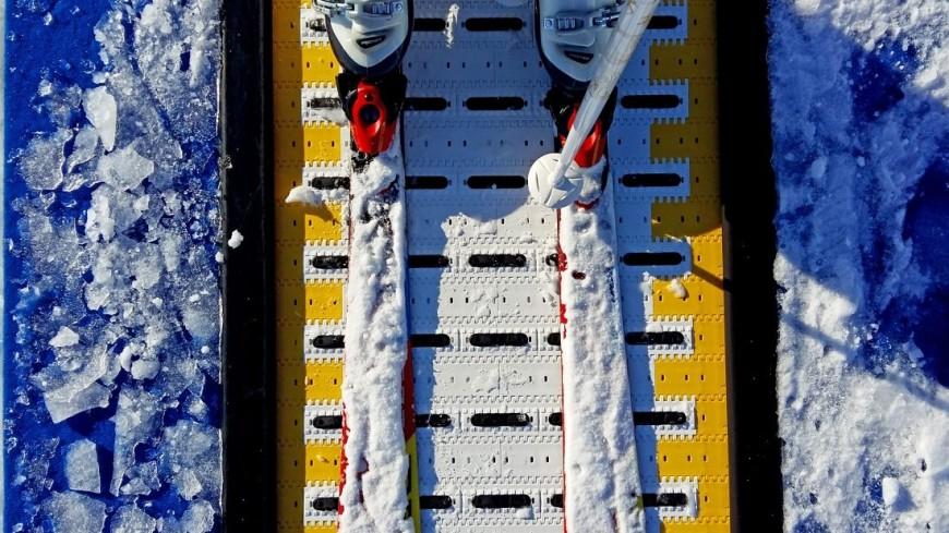 """Фото: Дарья Никишина (МТРК «Мир») """"«Мир 24»"""":http://mir24.tv/, горнолыжные подъемники, зима, горнолыжный клуб волен, горнолыжный курорт, лыжи, спортивный парк волен, горные лыжи, подъемник"""