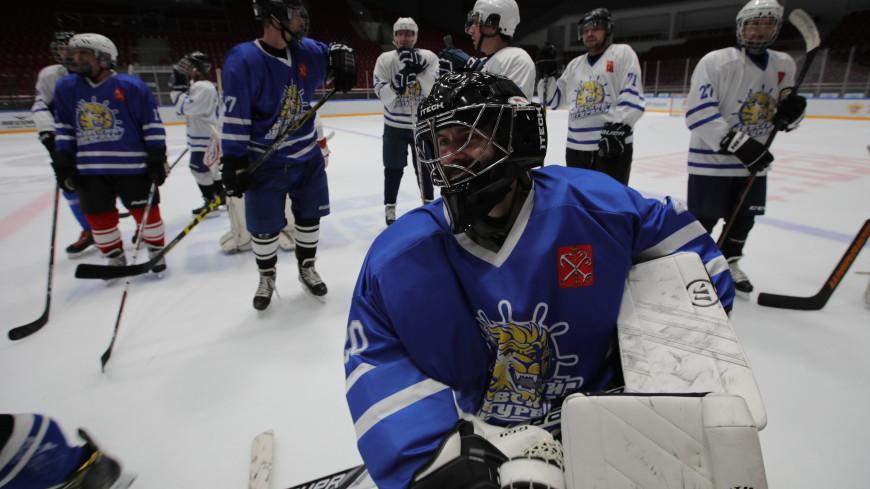 Единственная в Петербурге команда глухонемых хоккеистов может прекратить свое существование