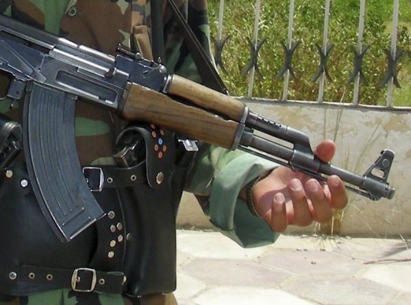 В Ингушетии неизвестные обстреляли автомобиль, ранены полицейские